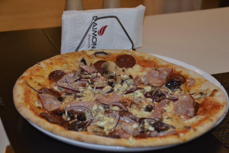 pizza, daimon trattoria