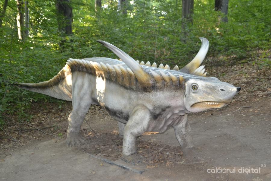 Dino-Parc-Rasnov-(12)-Desmatosuchus