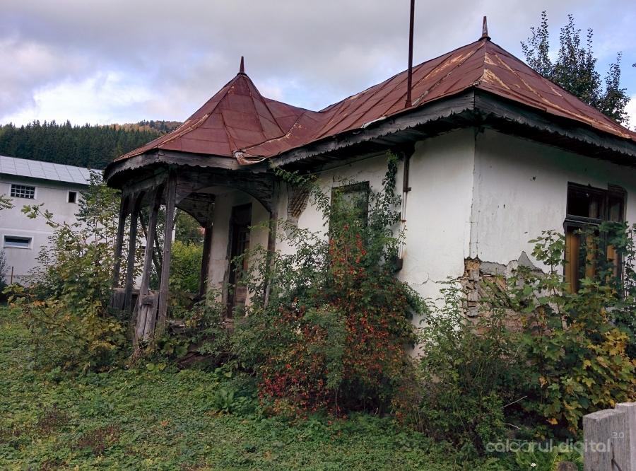 Arhitectura, Azuga