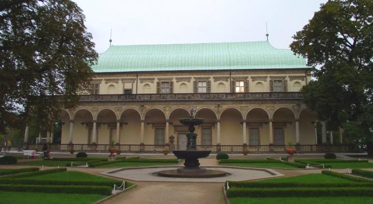 palat, regina Ana, Ferdinand I, palat de vara