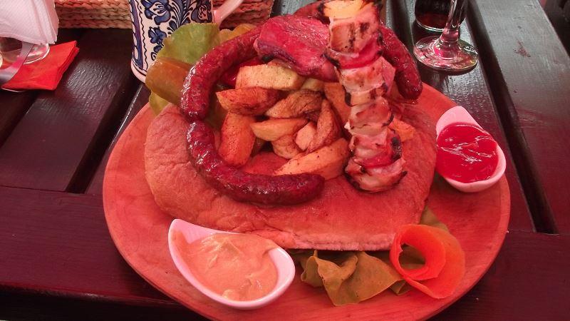 Lipie Ciobaneasca, Restaurant Grota Miresei