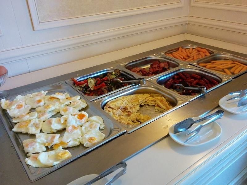 mic dejun, sulina, mamaia, hotel, bufet suedez