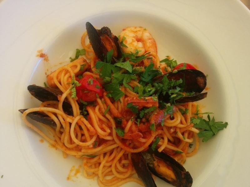 masa pranz, spaghete, hotel sulina, mamaia