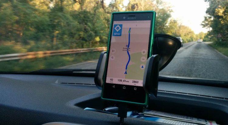 corfu, masina, GPS, smartphone
