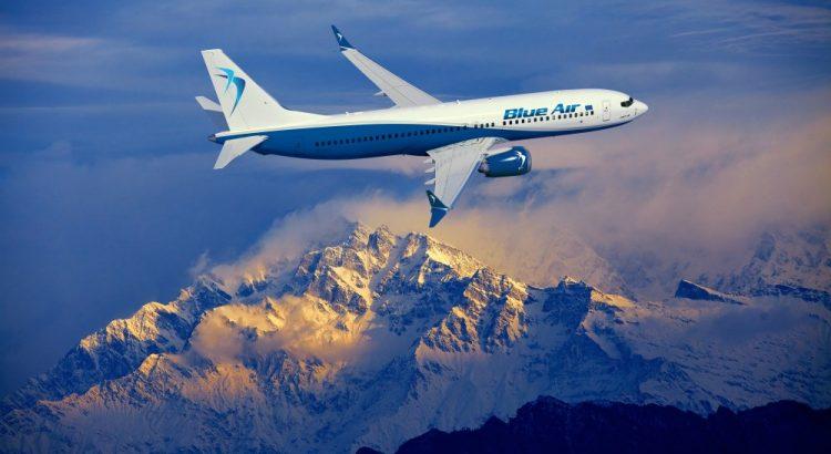 avion, nori, munti, cer, Blue Air