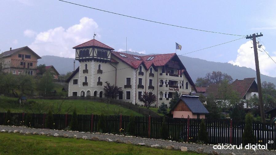 Moieciu, Hotel Turnu