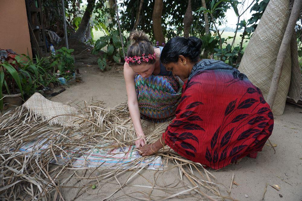 kerala, ecoturism, confectionarea rogojinilor din frunza de palmier