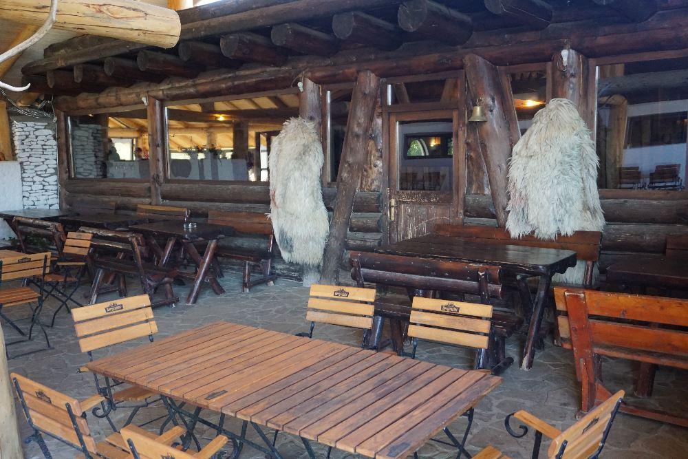 Ferma Dacilor, restaurant, terasa