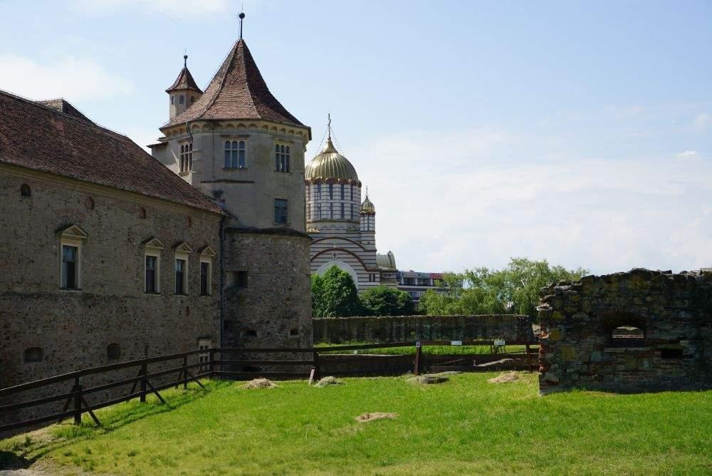 Cetatea Fagarasului, Turnul Donjon, Turnul Rosu