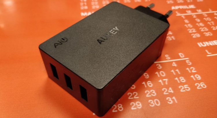 charger, Aukey, USB